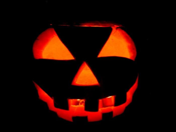 jack-lantern-in-the-dark-movie-1468001548